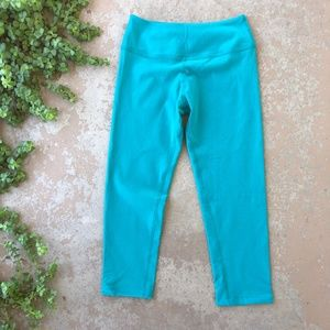 Beyond Yoga Teal Cropped Skinny Leggings